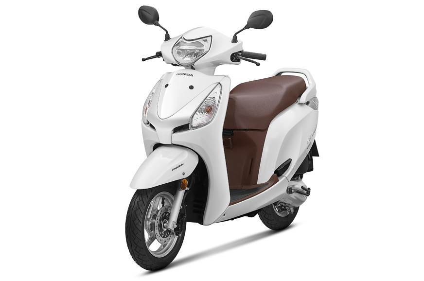 Buying a new scooter with good mileage and low maintenance - Feature