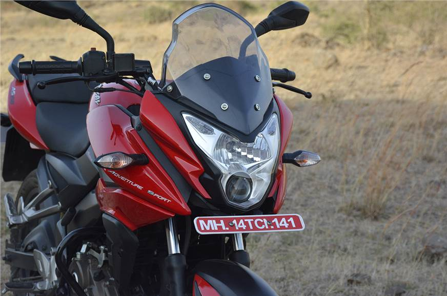 Bajaj Pulsar AS 150 vs Suzuki Gixxer SF photo gallery