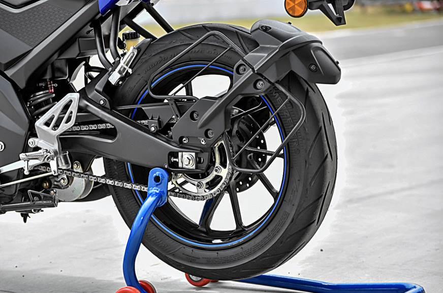 2018 Yamaha YZF-R15 V3 0 Photos – R15 V3 0 Bike Image
