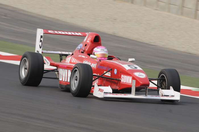 Percat and King win MRF support races
