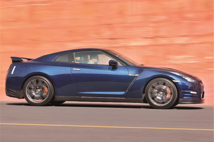 With 523bhp under the hood, the 2011 GT-R can pull a 1.08...