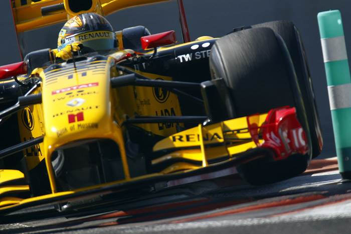 Pirelli to use Renault R30 as test car
