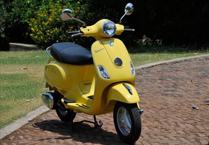 Vespa LX125 review, test ride
