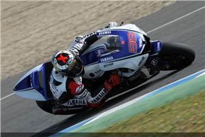 Lorenzo beats Pedrosa to Jerez pole