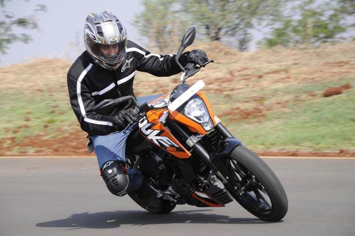 KTM 200 Duke review, test ride