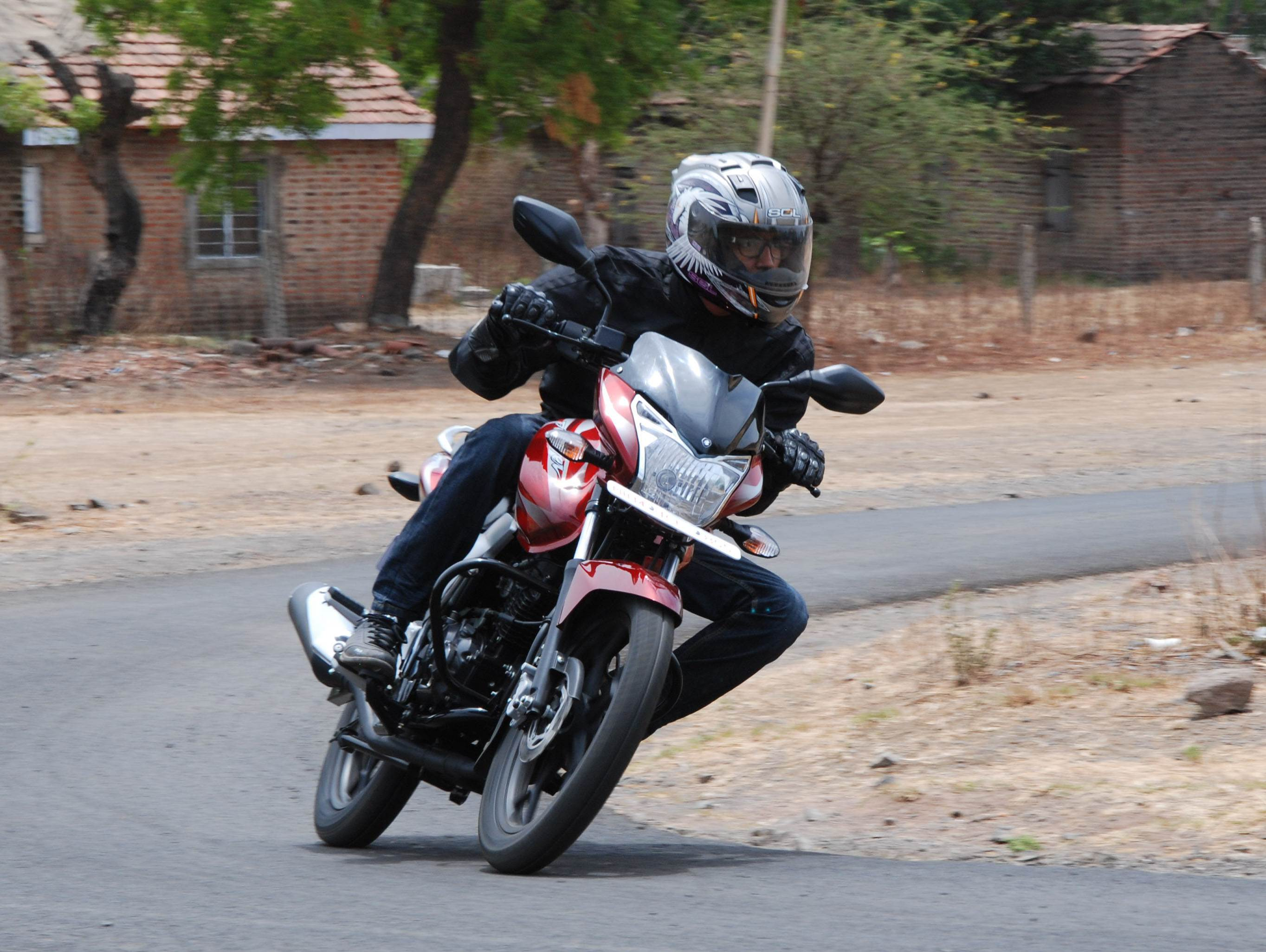 Bajaj Discover 125 ST review, test drive