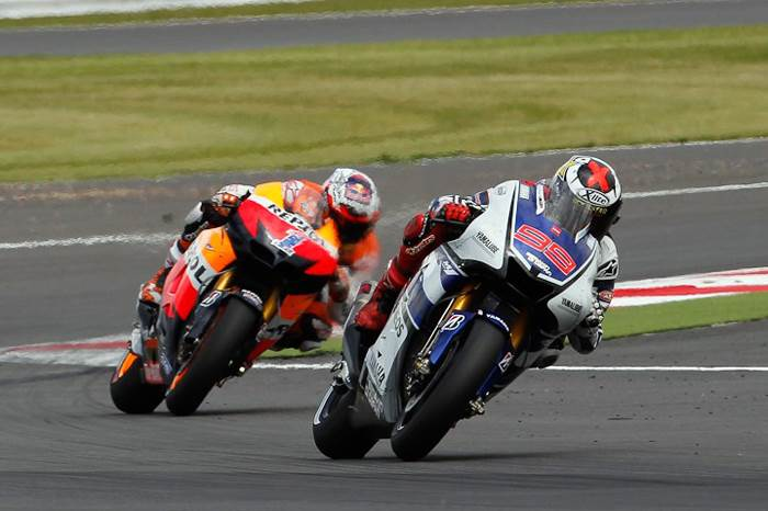 Lorenzo takes comfortable win at Silverstone
