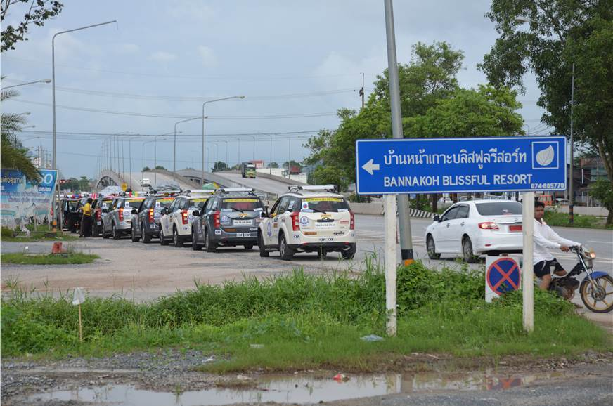 The convoy on its way to Phuket