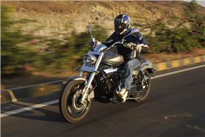 Hyosung GV650 Aquila pro test ride, review and video