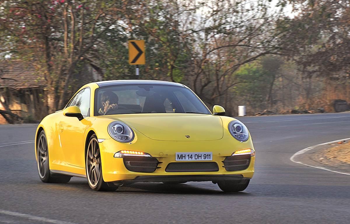 Porsche 911 Carrera 4S review, test drive