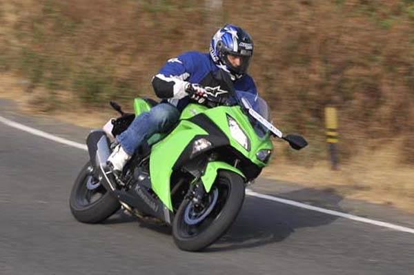 Kawasaki Ninja 300 review, test ride and video