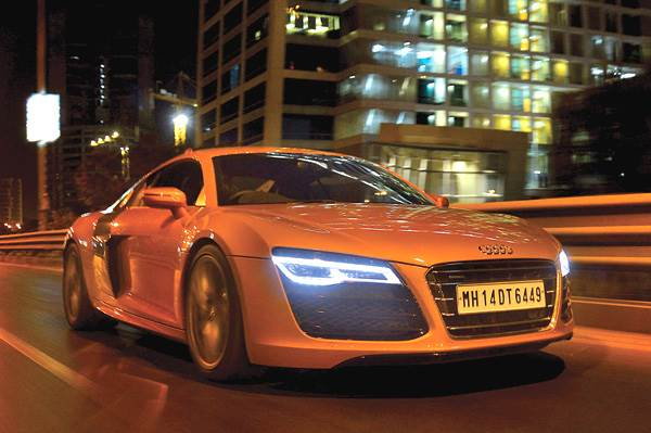 2013 Audi R8 V10 review, test drive