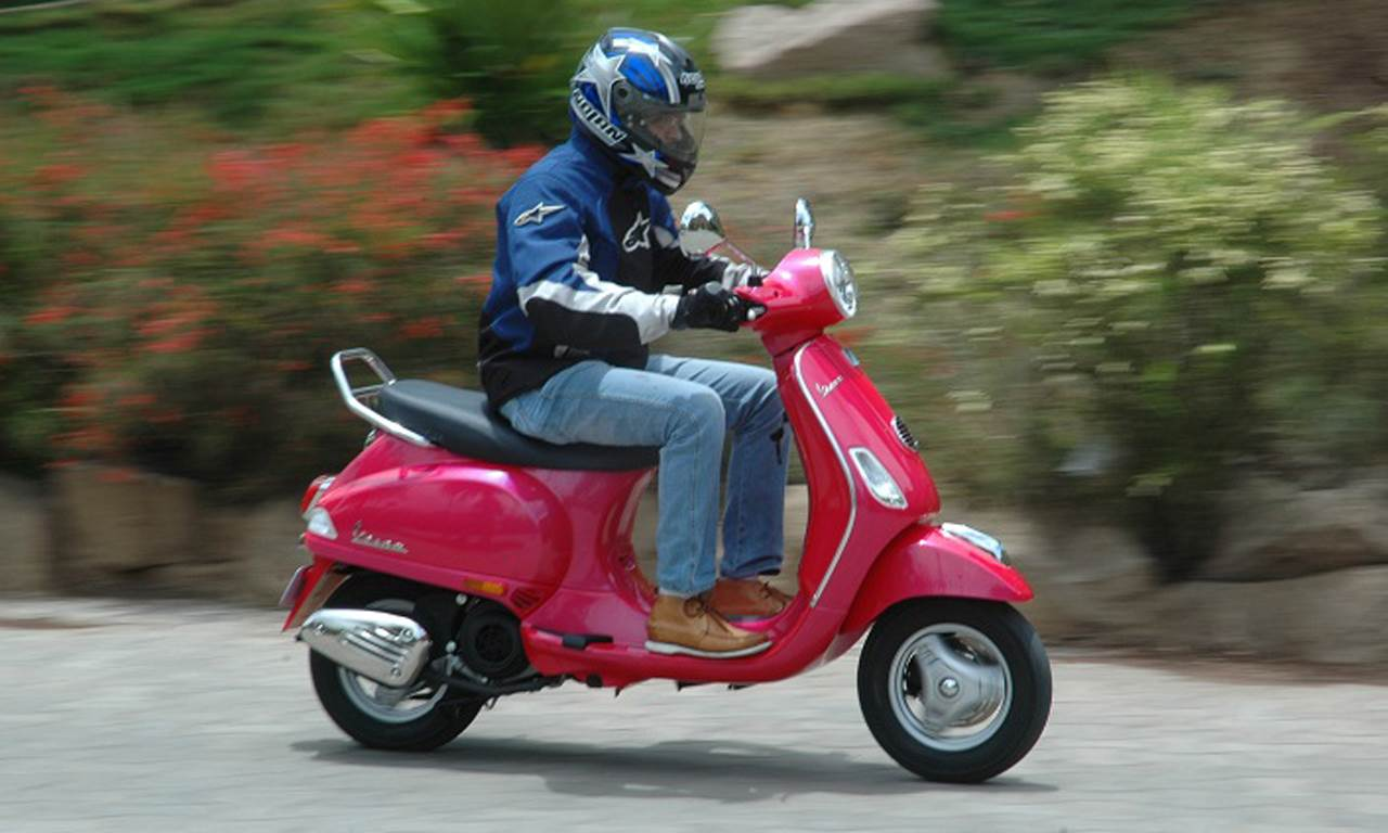 New Vespa VX 125  review, test ride