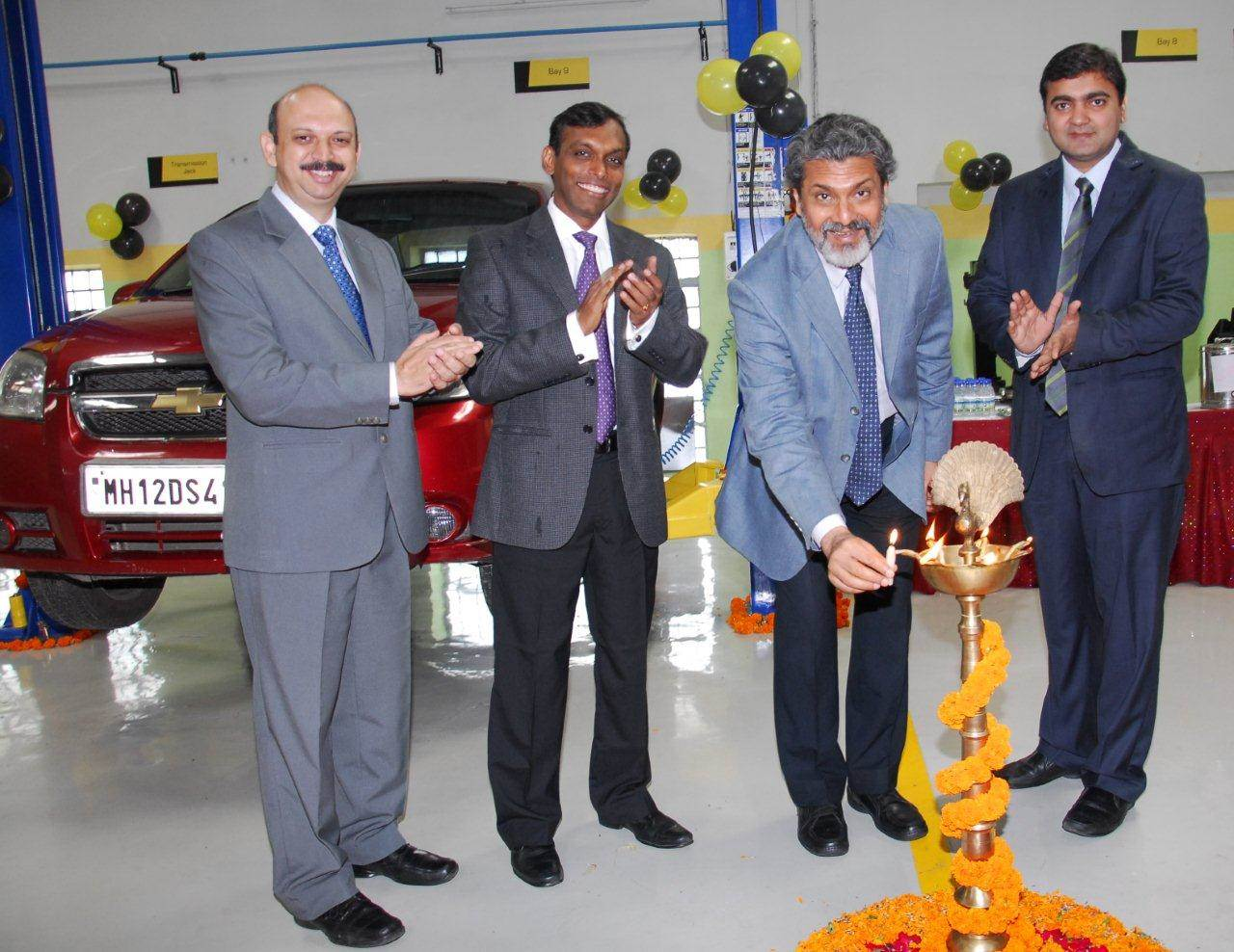 Mahindra First Choice Services opens second workshop in Pune
