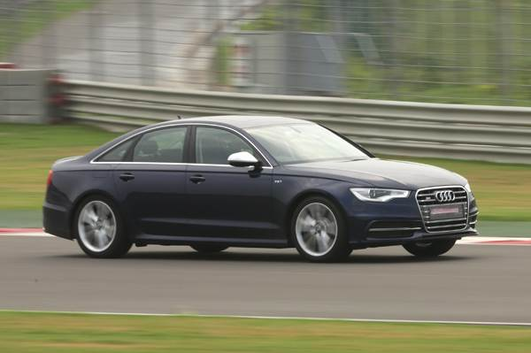 New 2013 Audi S6 review, test drive