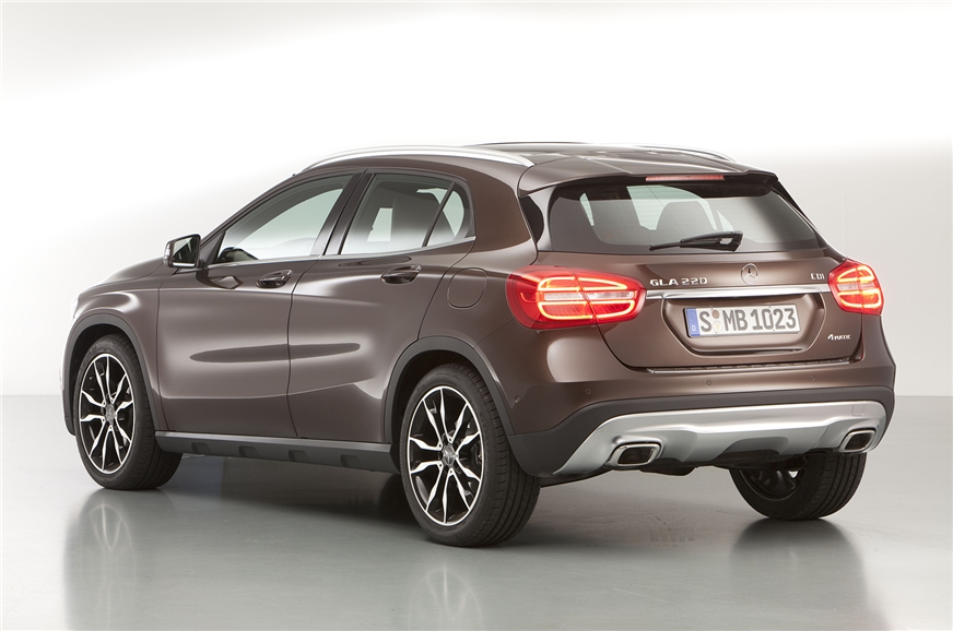 Mercedes benz gla suv unveiled autocar india for Mercedes benz family discount