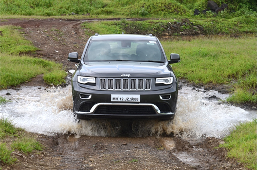 jeep grand cherokee diesel review test drive autocar india. Black Bedroom Furniture Sets. Home Design Ideas