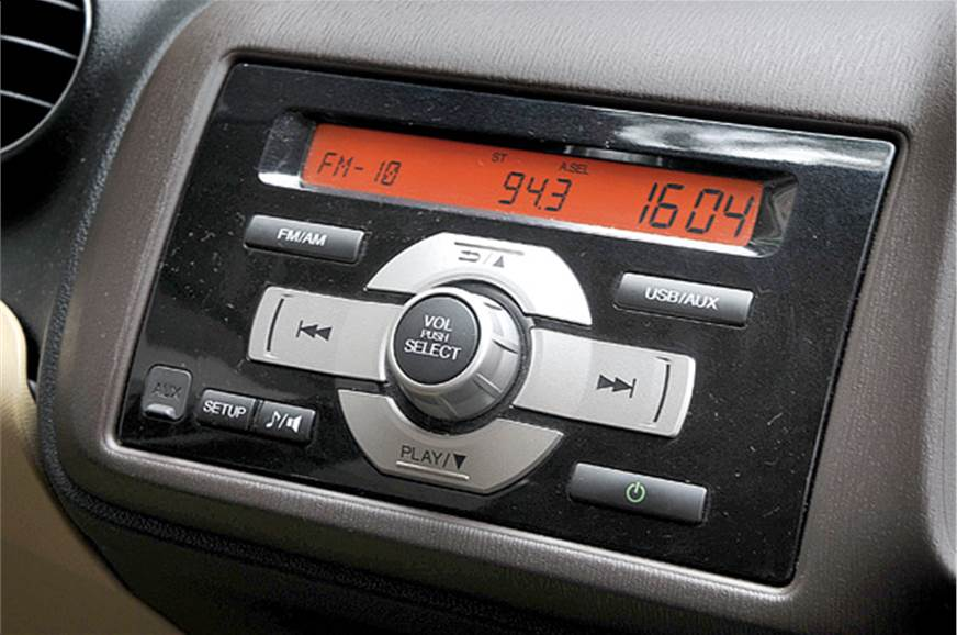 Audio system has no blue tooth or a CD player.