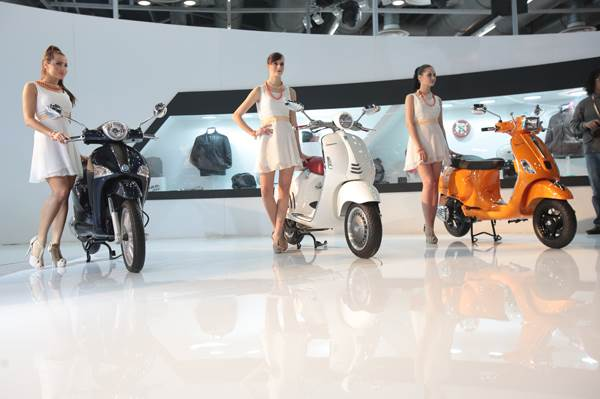 Vespa unveils new two-wheelers that are slated for the Indian market in the coming months.