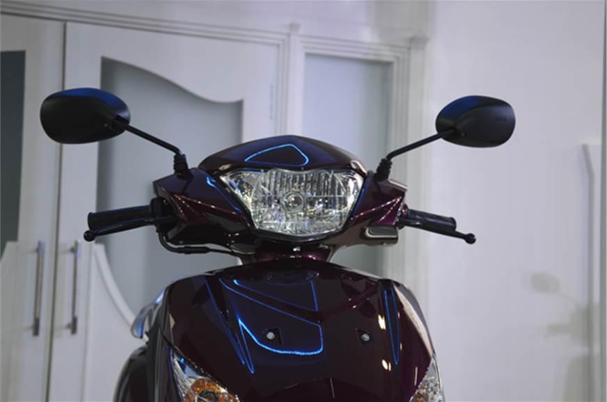 The Alpha gets a halogen powered headlight.