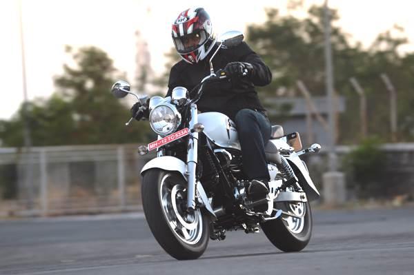 Hyosung Aquila 250 review, test ride