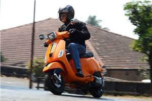 Vespa S review, test ride