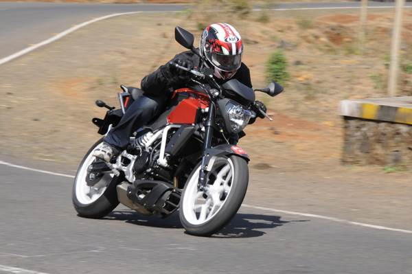 Hyosung GD250N first look review