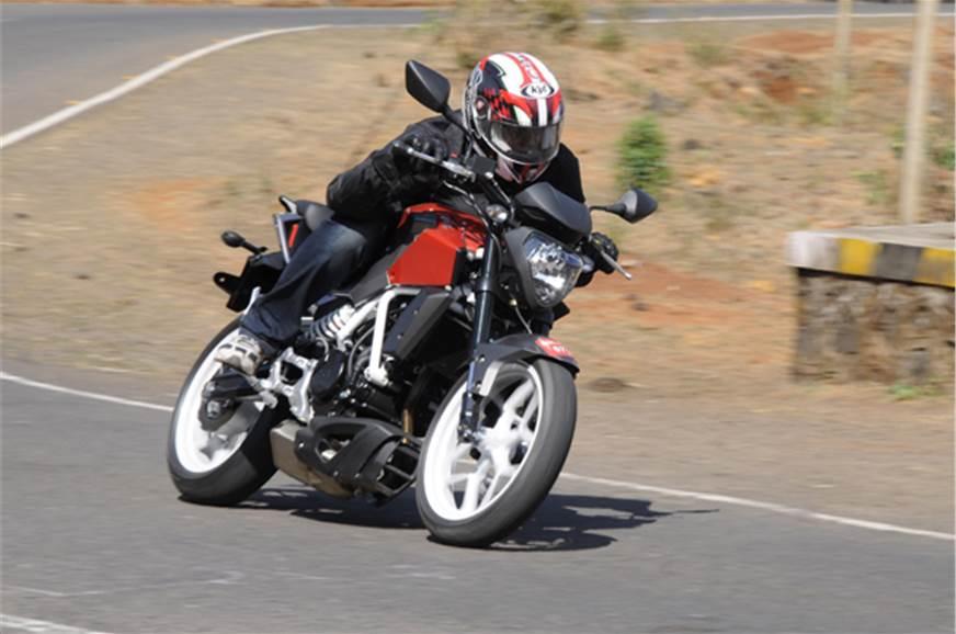 The Hyosung GD250N is a slim bike, with minimalistic body...