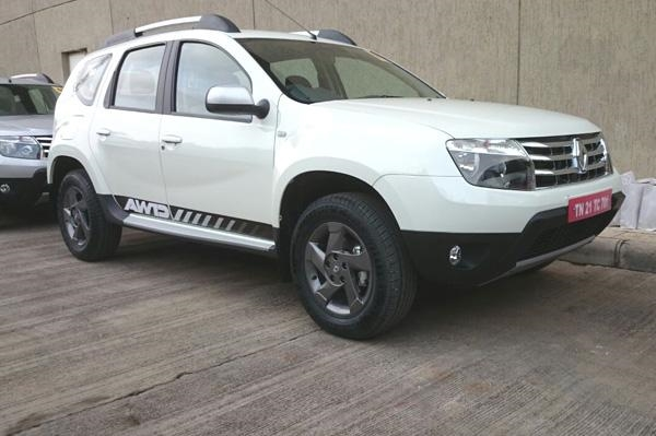 Renault Duster AWD India picture.