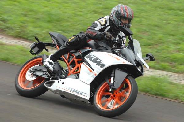 KTM RC390 and RC200 track review in India