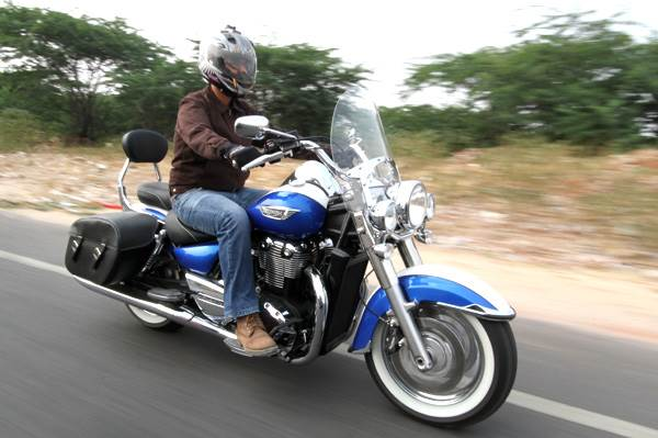 Triumph Thunderbird LT review, test ride