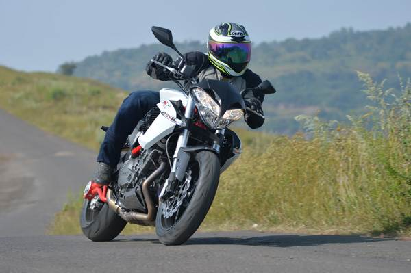 Benelli TNT 899 review, test ride