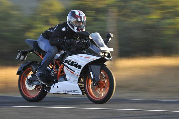 KTM RC 390 review, road test