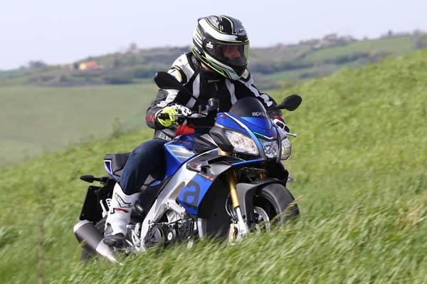 Aprilia Tuono V4 1100RR review, test ride