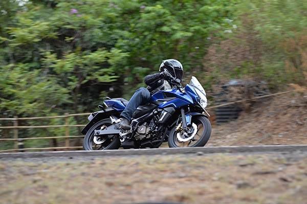Bajaj Pulsar AS 150, AS 200 review, test ride