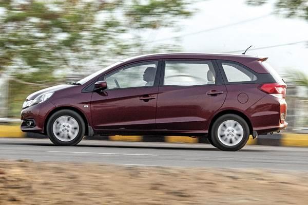 Renault Lodgy Vs Toyota Innova Vs Maruti Ertiga Vs Honda Autos Post