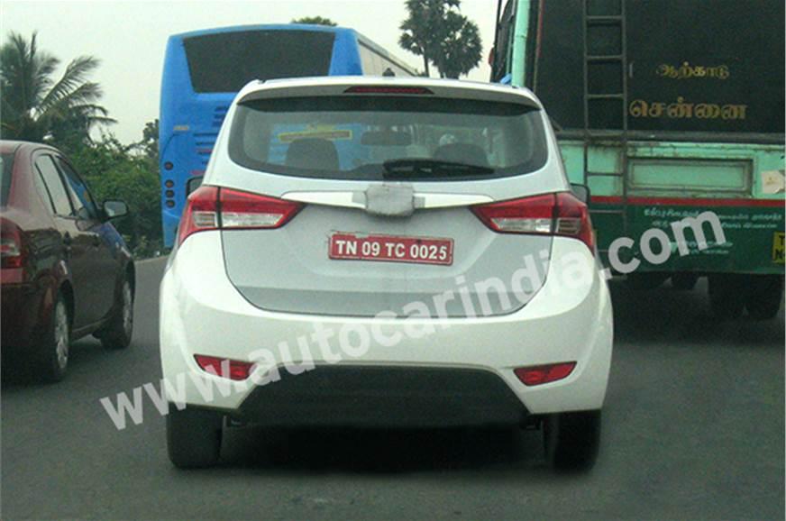 Hyundai MPV test mule.