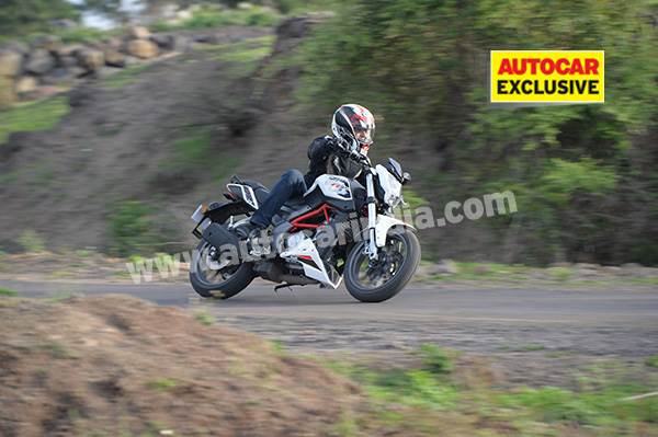 Benelli TNT 25 review, test ride