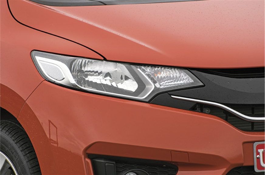 Angular multi-element headlamps blend in well with the gr...