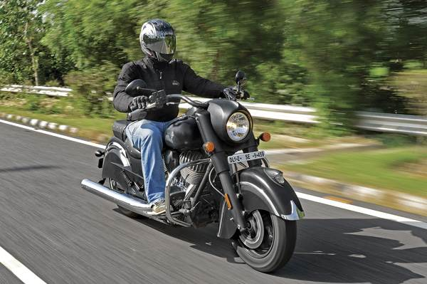 Indian Chief Dark Horse review, test ride