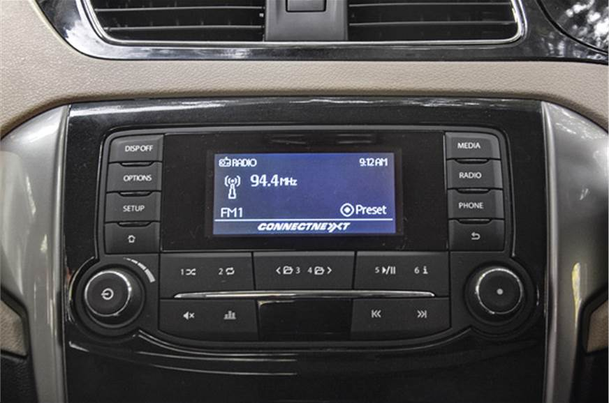 Eight speaker-equipped Harman audio system has good acous...