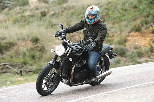 Triumph Bonneville Street Twin review, test ride