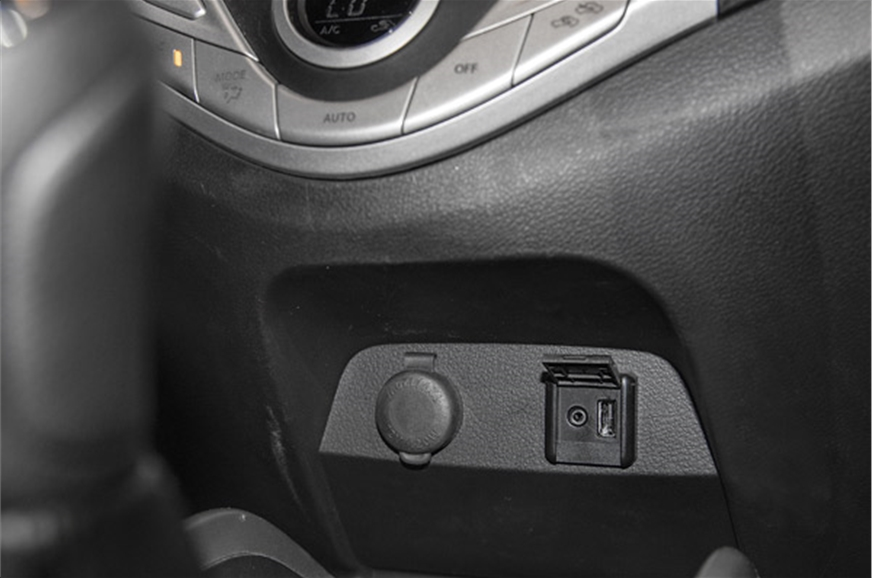 USB socket tucked under centre console  can be difficult ...