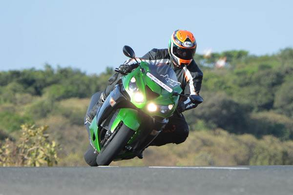 2016 Kawasaki Ninja ZX-14R review, test ride