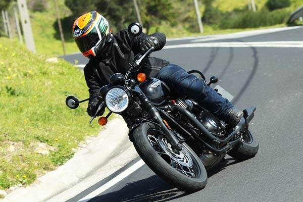 Triumph Bonneville T120 review, test ride