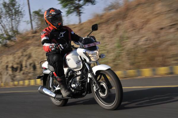 Bajaj V15 review, road test