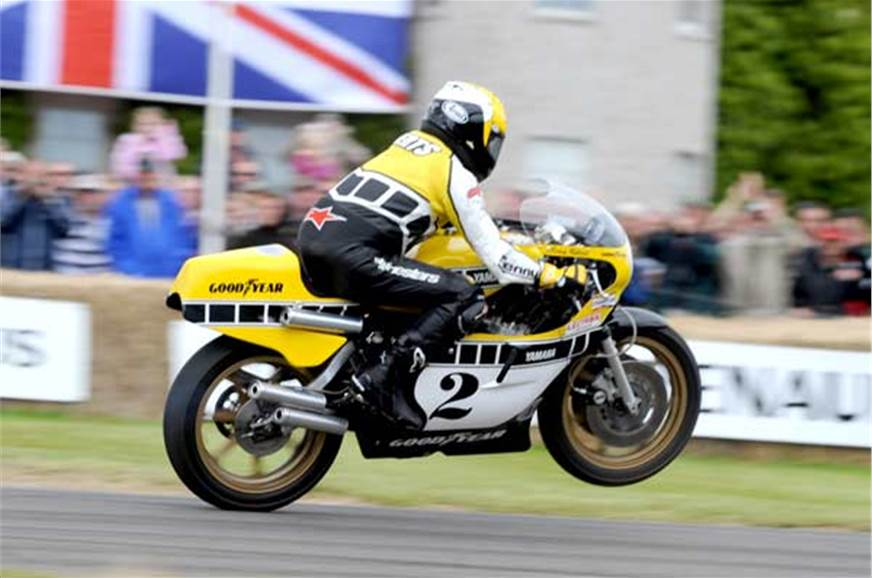 Kenny Roberts on his Yamaha YZR750. Insane!