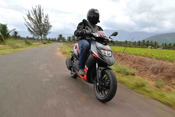 2016 Aprilia SR 150 review, test ride