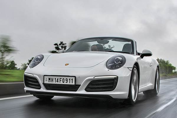 2016 Porsche 911 Carrera S India review, test drive