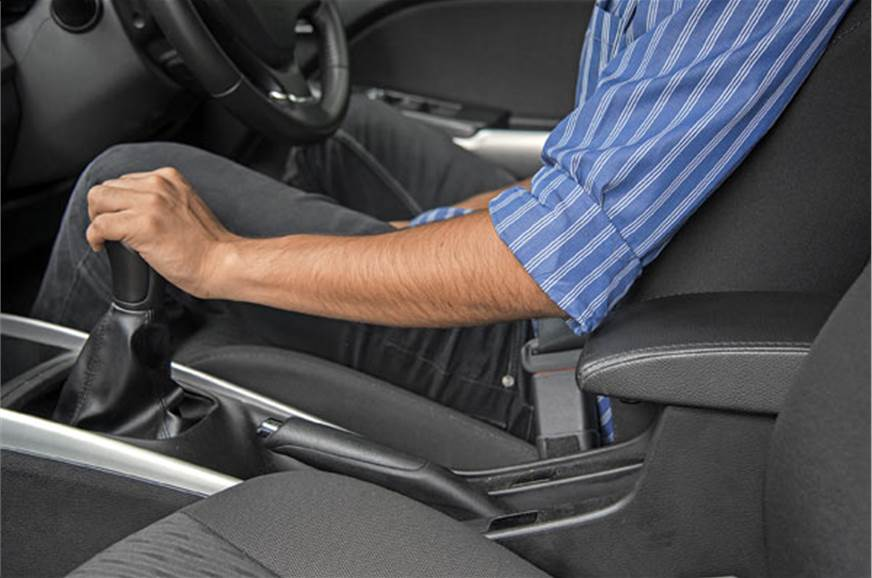 Your elbow will constantly bump into the centre armrest.
